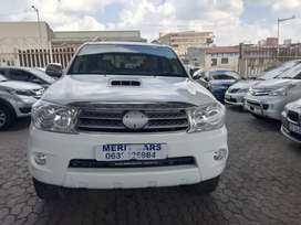 TOYOTA FORTUNER 3.0 D4D LEATHER INTERIOR DESIGN SEAT AND