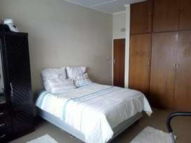 2 bedroom flat for sale in cbd for R490 000