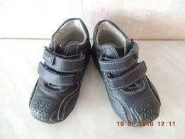 СРОЧНО !! Ботинки-туфли-кроссовки на мальчика р20-13 см стелька