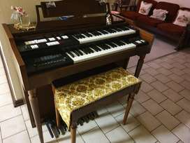 Antique Lowry organ