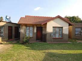 Two bedroom house to rent at elandsfontein packing available