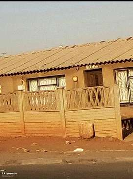 4 Room House available for Sale in Zola