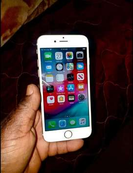 Selling iphone 6 working perfect with wifi only and it has a dent