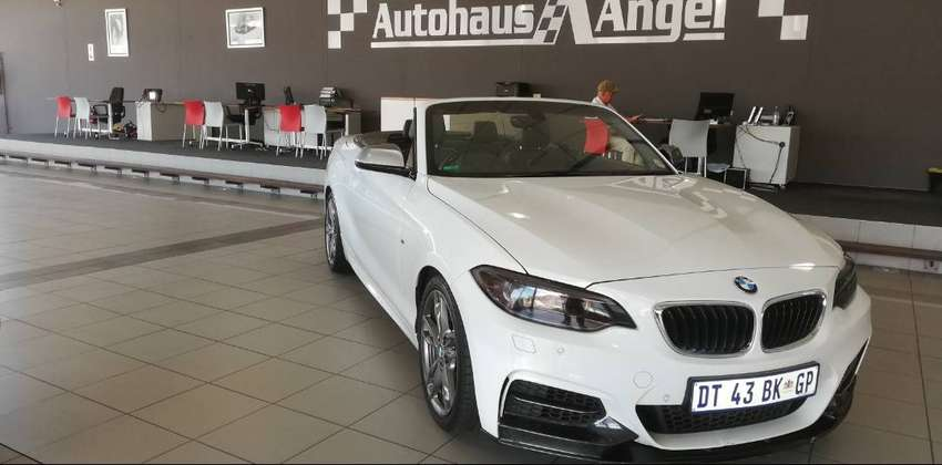 2015 BMW M235i Convertible Automatic White Excellent Condition / Servi 0