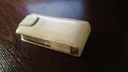 Универсальный кожаный чехол для мобильного телефона.