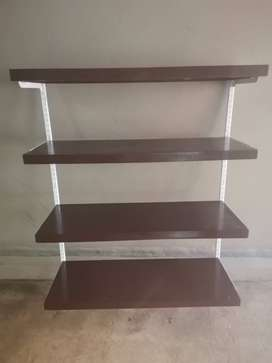 Shelving unit with four levels