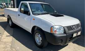 Nissan Np300 with aircon for sale