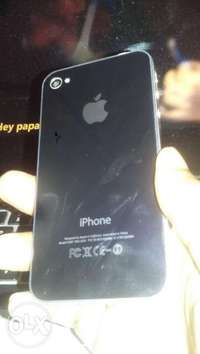iPhone 4s for sale. freshly restored. like new iPhone. 0