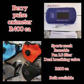 Sports mask and finger pulse oximeter