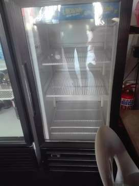Display fridge for cold drinks and water