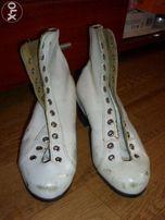 Фигурные женские ботинки