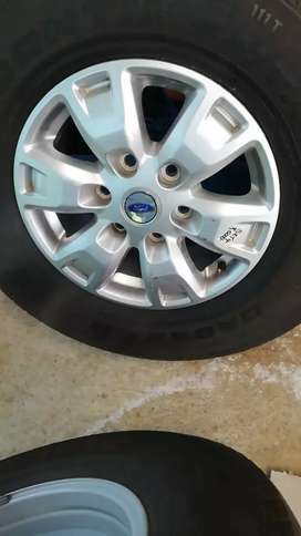 4 rims with tyres