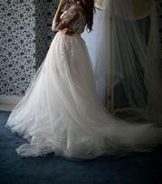 Продам свадебное платье !Дорого!!платье VIP класса .
