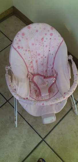 Vibrate baby chair