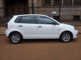 VW polo Vivo year 2014 the km is 96000 with service history  spare key