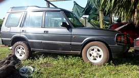 v8 running condition.body badly rusted R22.000.onco.ideal for spares.