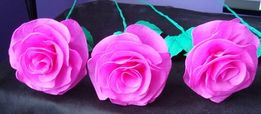 Duże róże z bibuły