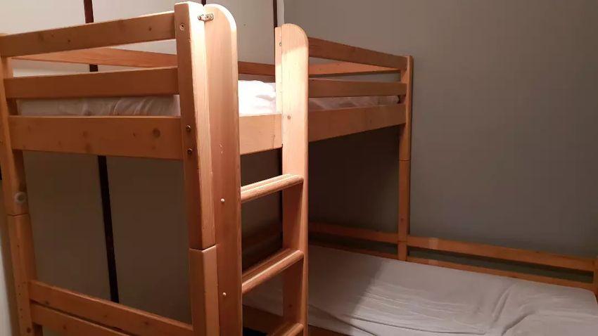 Predám poschodovú posteľ 0