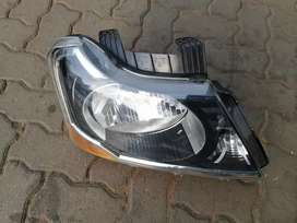Mahindra Xylo head light normal Right side Available now