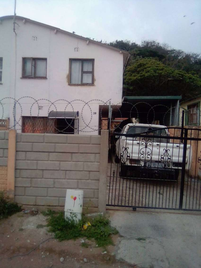 3 bedroom house tolet in unit 7 chatsworth 0