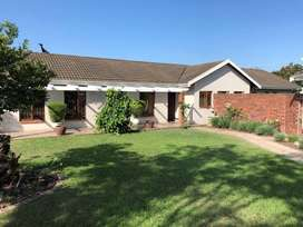 Beautiful, modern, secure farm style house for rent in Ashburton