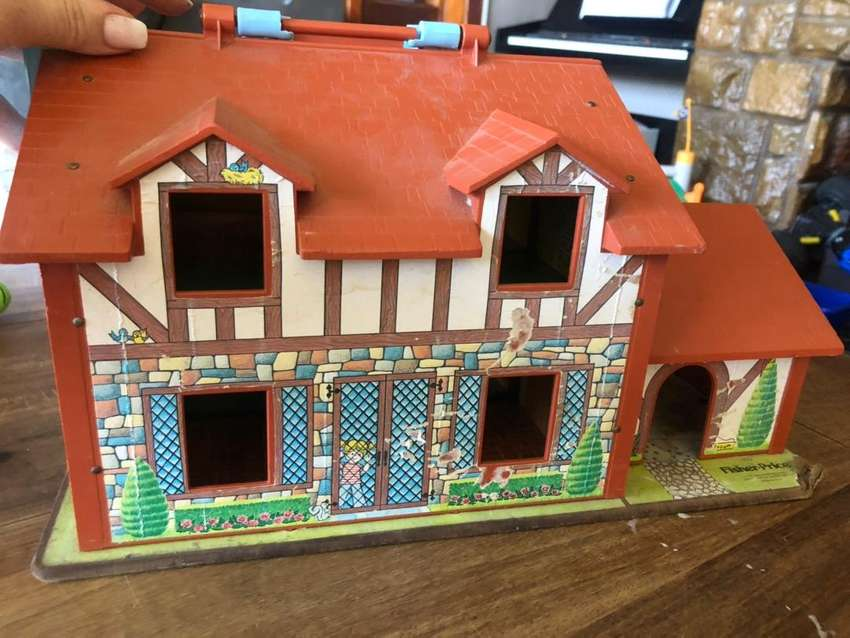 Vintage fisher price house 0