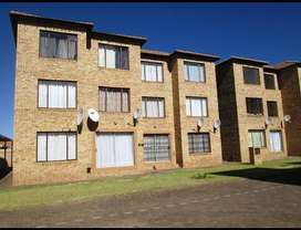 Two bedroom Flat to rent greenhills Randfontein