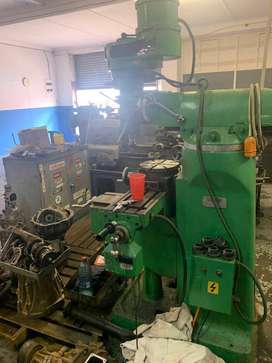 Victor Milling machine plus Rotary Table & Tooling