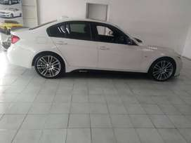 WHITE BMW F30 SPORTS SEDAN  AUTOMATIC