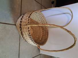 Carry basket woven