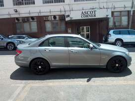 Mercedes Benz c200 for SELL
