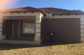 3 Bed Full Title Flamwood Townhouse