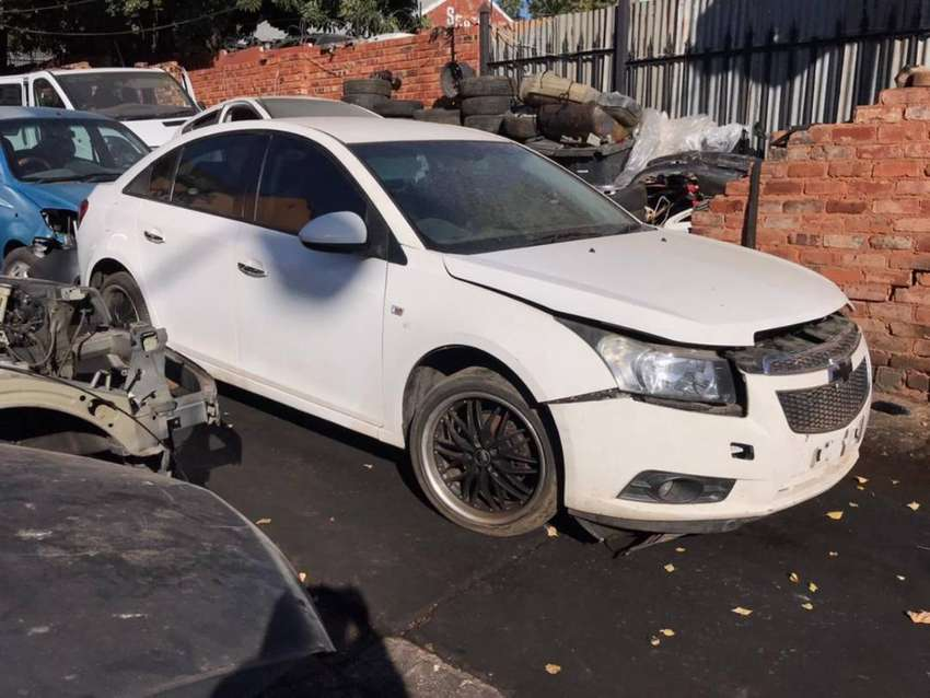 Chevrolet Cruze 1.8 Auto Stripping for Used Spares