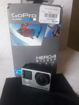 GoPro Hero 4 - Excellent condition