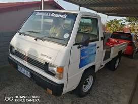Bakkie for hire, transport, collect and deliver, furniture removals