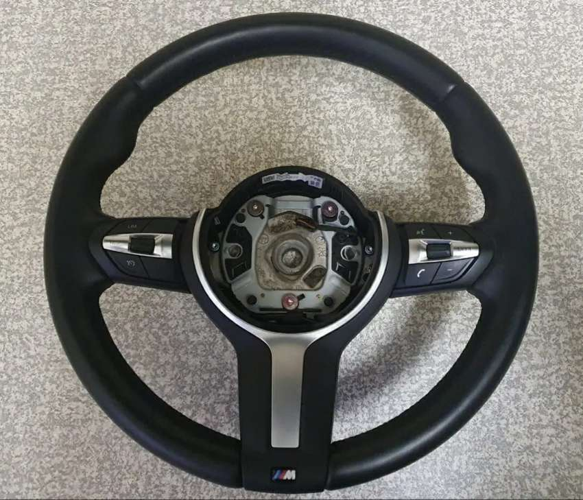 BMW M-Sport Steering Wheel (single stage airbag included)