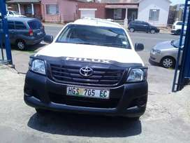 2013 Toyota Hilux 2.7 VVTI with a Canopy