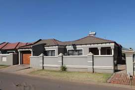 House for Sale in Vosloorus Paradise Park