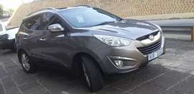 HYUNDAI I×35.2.0 and 2013 model in very good condition