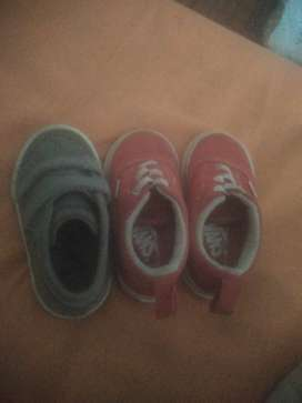 Selling 2 pairs of shoes, le Coq n Vans size 5.