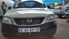2012 Nissan Np-200 1.6 Engine Capacity with Manuel Transmission,