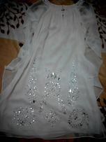 Красивое белое платье