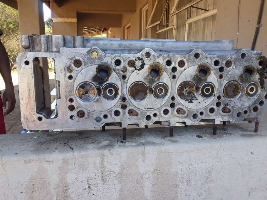 Head cylinder for a mitshubishi  2800 with turbo 4m40 engine