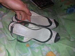 Босоножки туфли бело-черные натуральная кожа 39 размер