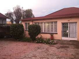 KENILWORTH-3 BEDROOM HOUSE AVAILABLE 1ST NOVEMBER FOR RENT AT R7000
