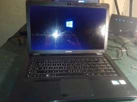 HP Compaq Laptop with windows 8 in exellent condition