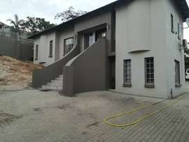 4bed 3bath house available 1Mei 2020