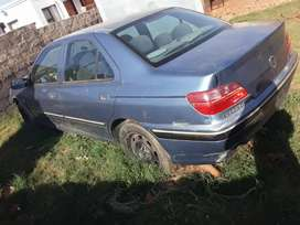 Peugeot 406 was involved in an accident