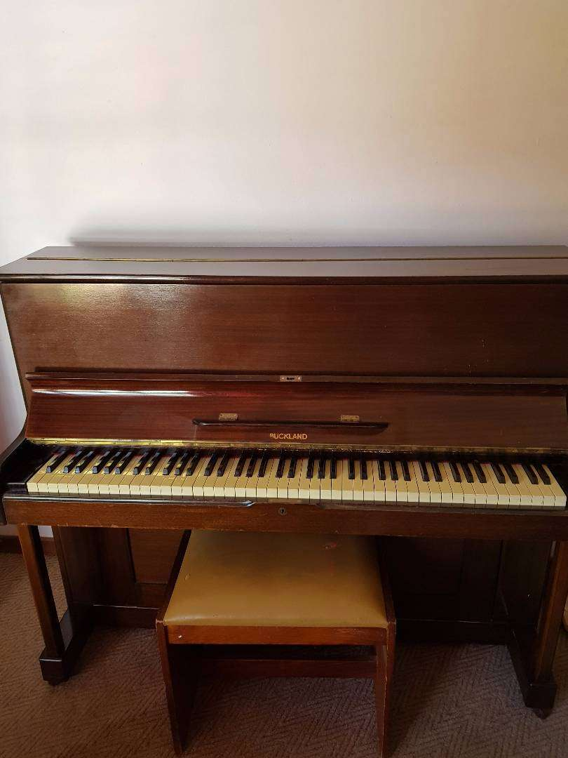 Piano for sale 0