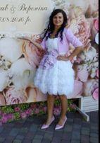 Платье пышное,белое как на первом фото